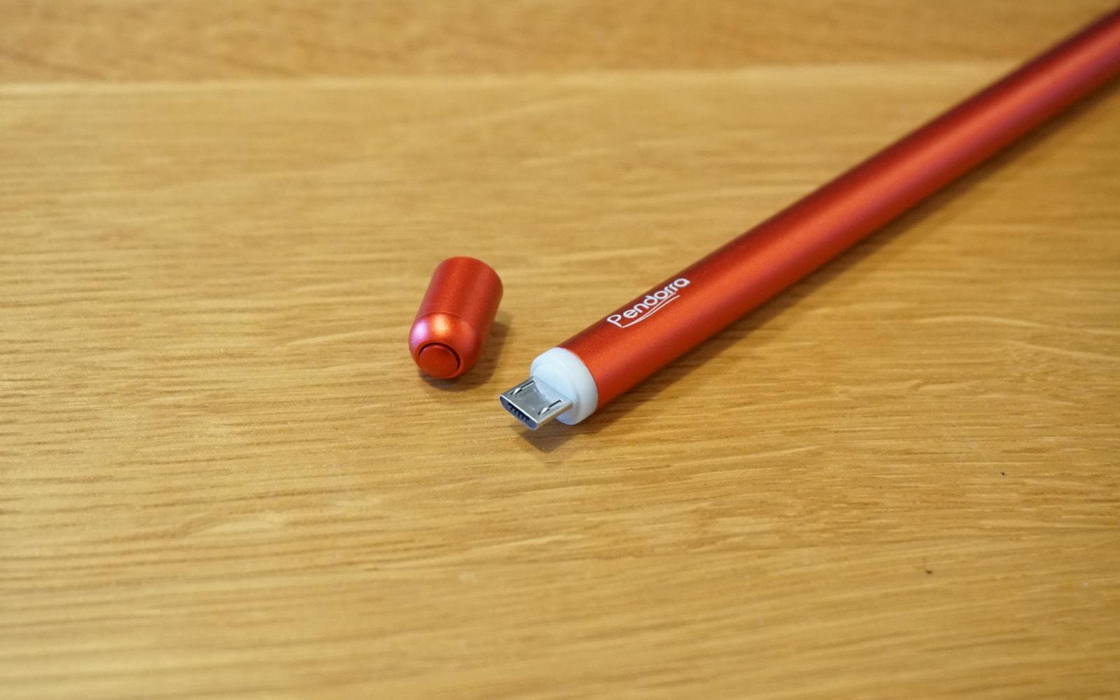 Pendorra充電式タッチペンの頭のキャップを外したところ